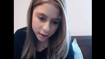 Colegiala tetona por la webcam 364x204