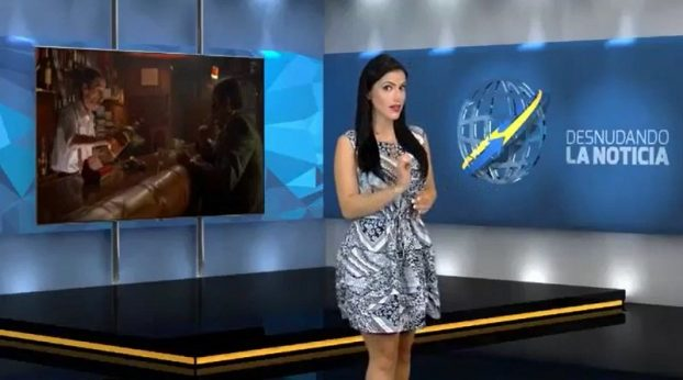 Reportera se desnuda mientras da las noticias